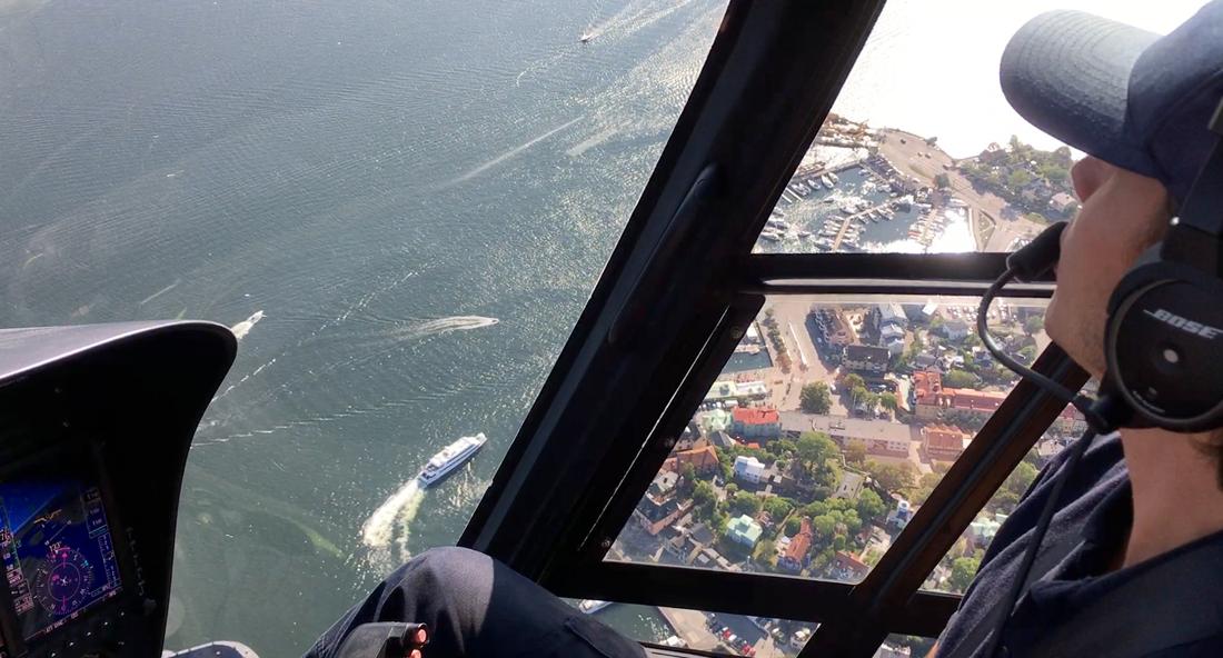 Helikoptervlucht over de buitenste archipel van Stockholm